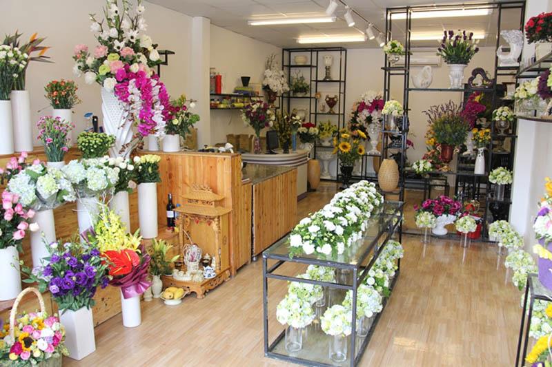 Cắm hoa trưng bày