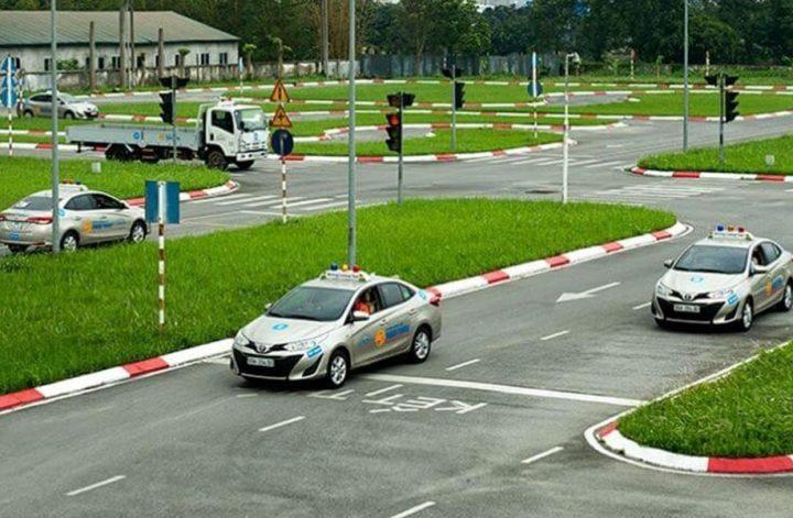 Học phí học bằng lái xe B2