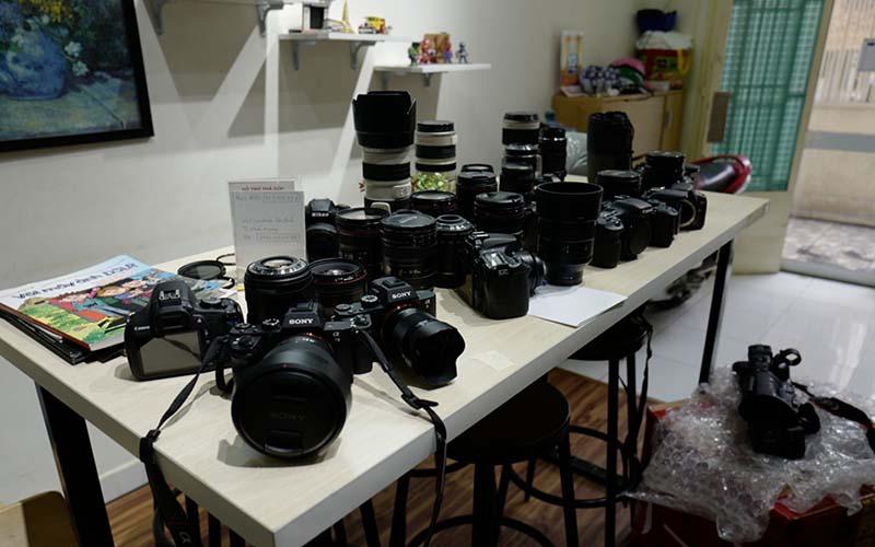 Máy ảnh Hoàng Tô - bán máy ảnh cũ chính hãng chất lượng